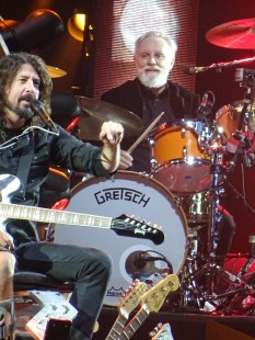 Queen's Roger Taylor with Dave Grohl, Foo Fighters at Milton Keynes Bowl