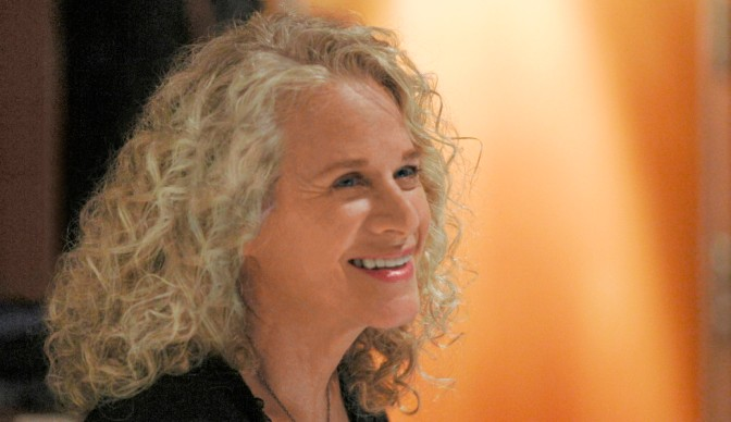Carole King weaving 'Tapestry' at Hyde Park
