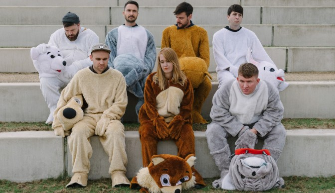 Los Campesinos! see 'Sick Scenes' in London